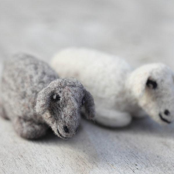 pareja-ovejas_pequen%cc%83as-fieltro-1500