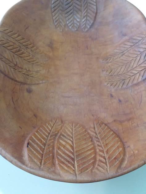 Fuente ovalada en madera de raulí
